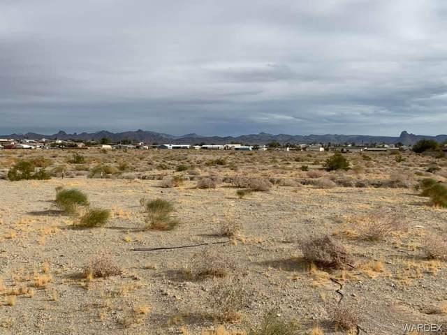 2130 E Desert Greens Drive, Fort Mohave, AZ 86426 (MLS #976240) :: AZ Properties Team | RE/MAX Preferred Professionals