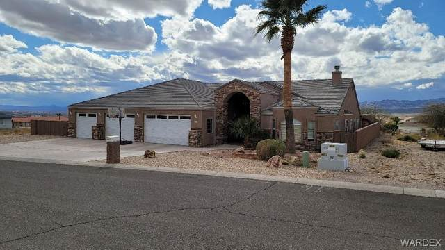 809 Parkhill Avenue, Bullhead, AZ 86429 (MLS #978247) :: The Lander Team