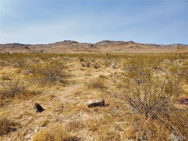 6458 S Empress Trail, Golden Valley, AZ 86413 (MLS #981465) :: The Lander Team