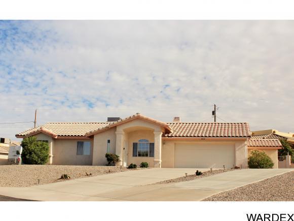 3151 Caliente Dr, Lake Havasu City, AZ 86404 (MLS #931319) :: Lake Havasu City Properties