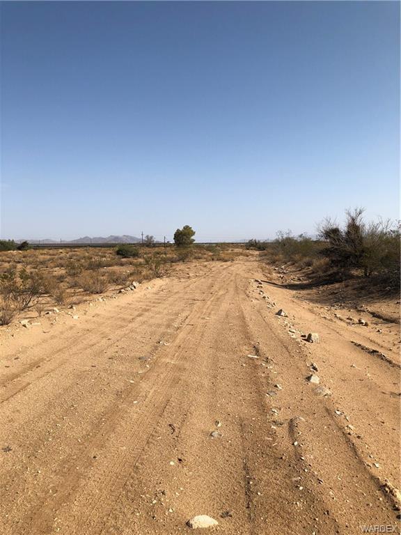 0001 Highway 68, Golden Valley, AZ 86413 (MLS #951651) :: The Lander Team