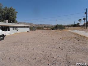 1870 Riviera Boulevard, Bullhead, AZ 86442 (MLS #954605) :: The Lander Team