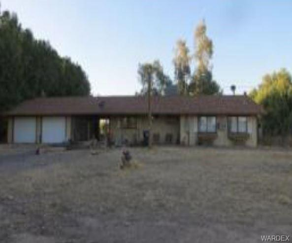 2117 E Warwick Road, Mohave Valley, AZ 86440 (MLS #955079) :: The Lander Team