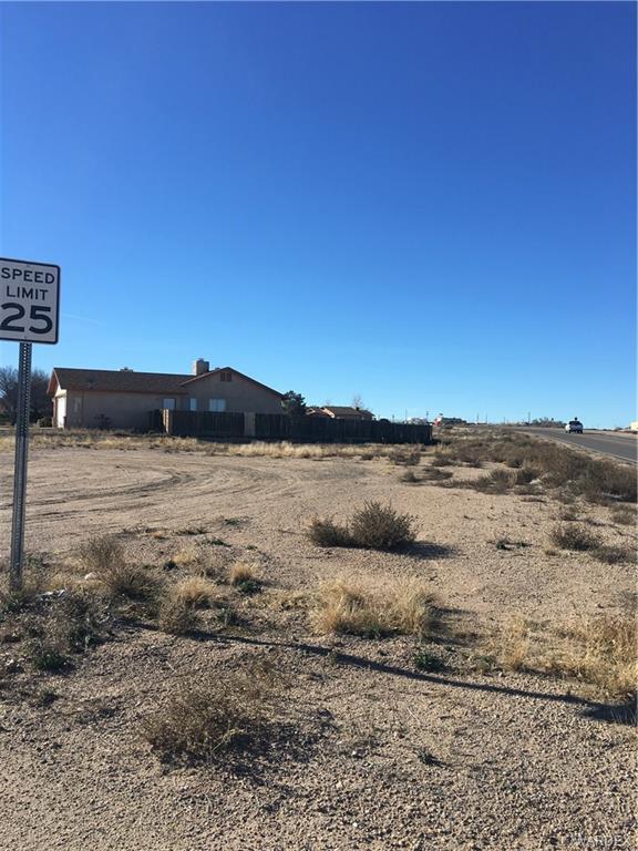 3015 N Alpha Street, Kingman, AZ 86401 (MLS #955224) :: The Lander Team