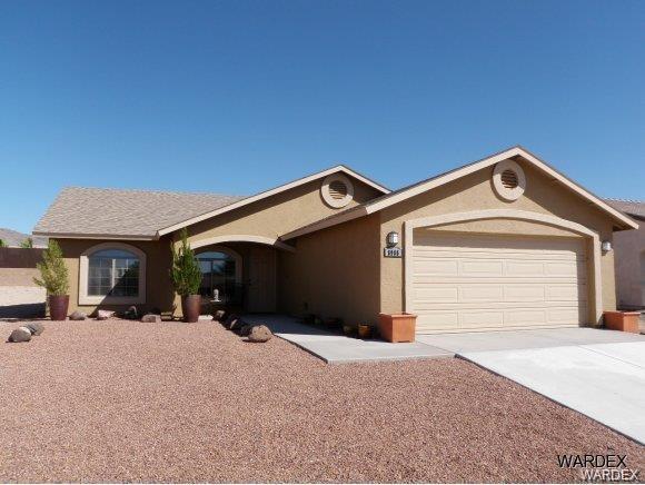 8986 N Cactus Drive, Kingman, AZ 86401 (MLS #956724) :: The Lander Team