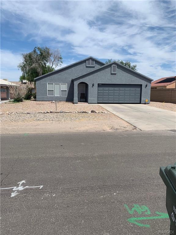 1629 Central Avenue, Bullhead, AZ 86442 (MLS #957398) :: The Lander Team