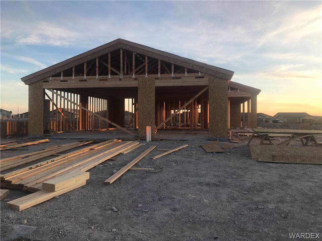 2660 Slide Mountain Loop, Bullhead, AZ 86442 (MLS #958017) :: The Lander Team