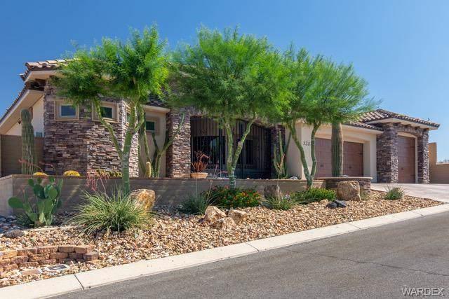 3207 Sidewheel Drive, Bullhead, AZ 86429 (MLS #959619) :: The Lander Team