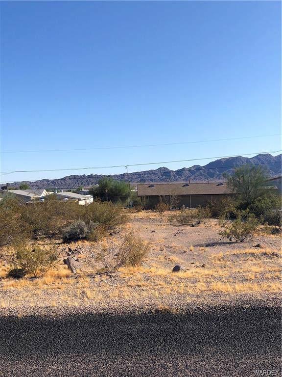 4532 E Monarch Drive, Topock/Golden Shores, AZ 86436 (MLS #961482) :: The Lander Team