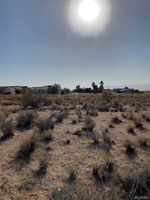 9349 N Singletree Drive, Kingman, AZ 86401 (MLS #962249) :: The Lander Team