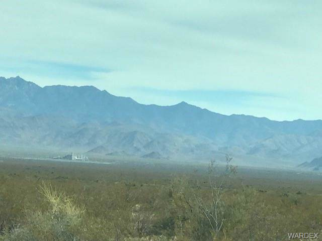 0000 S Montezuma, Golden Valley, AZ 86413 (MLS #962727) :: The Lander Team