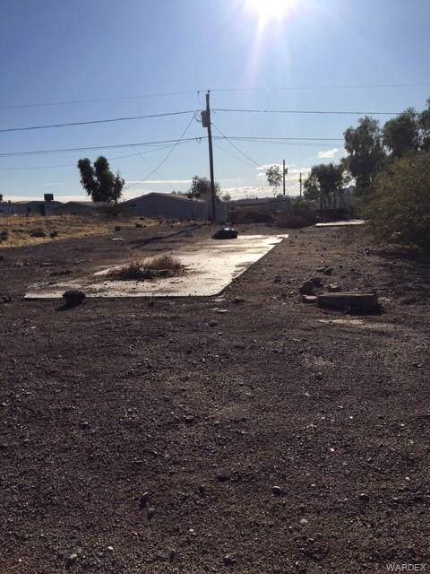 1663 Colina Drive, Bullhead, AZ 86442 (MLS #962935) :: The Lander Team