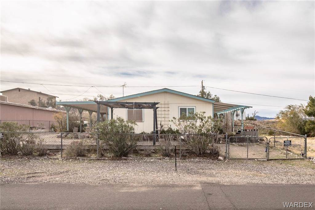 1629 Talc Plaza, Bullhead, AZ 86442 (MLS #963074) :: The Lander Team