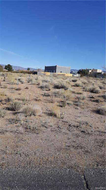 7611 E Monte Tesoro Drive, Kingman, AZ 86401 (MLS #964245) :: The Lander Team