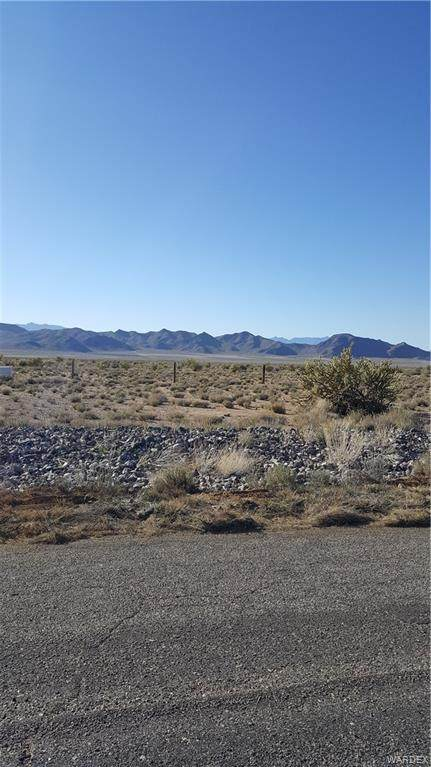 9833 N Saddleback Drive, Kingman, AZ 86401 (MLS #964922) :: The Lander Team
