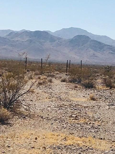 543 S Wild Bill Road, Yucca, AZ 86438 (MLS #974162) :: The Lander Team