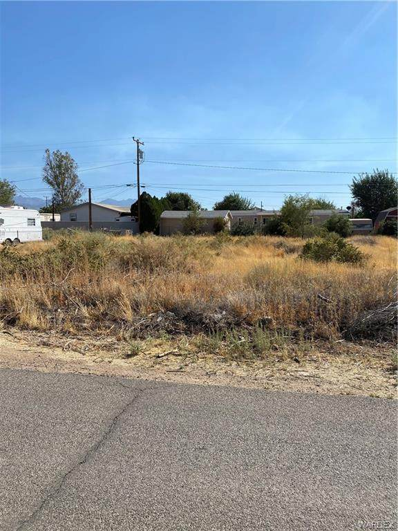 3684 E Hearne Avenue, Kingman, AZ 86409 (MLS #974563) :: The Lander Team
