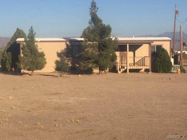 661 S Emery Park Road, Golden Valley, AZ 86413 (MLS #974596) :: The Lander Team