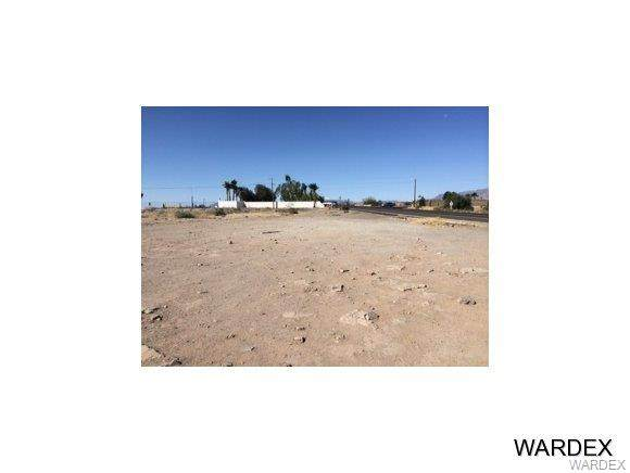 1282 E Levee Drive, Mohave Valley, AZ 86440 (MLS #975844) :: The Lander Team