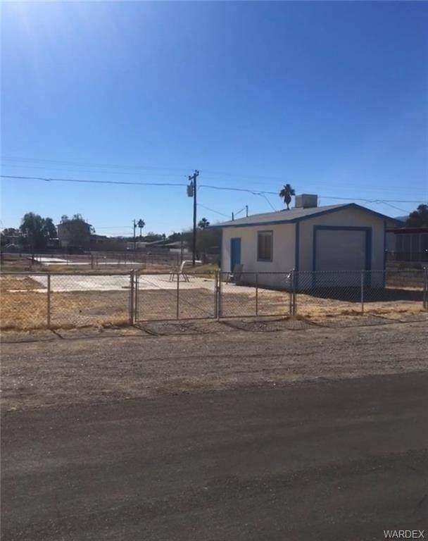 446 Emery Drive, Bullhead, AZ 86442 (MLS #977438) :: The Lander Team