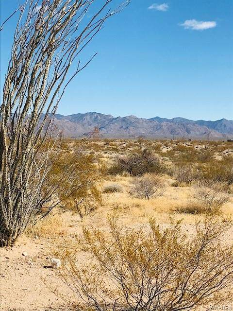 4330 W Speedway Drive, Yucca, AZ 86438 (MLS #978113) :: The Lander Team