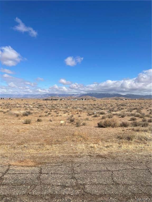 7339 E Silver Spur Drive, Kingman, AZ 86401 (MLS #978472) :: AZ Properties Team | RE/MAX Preferred Professionals