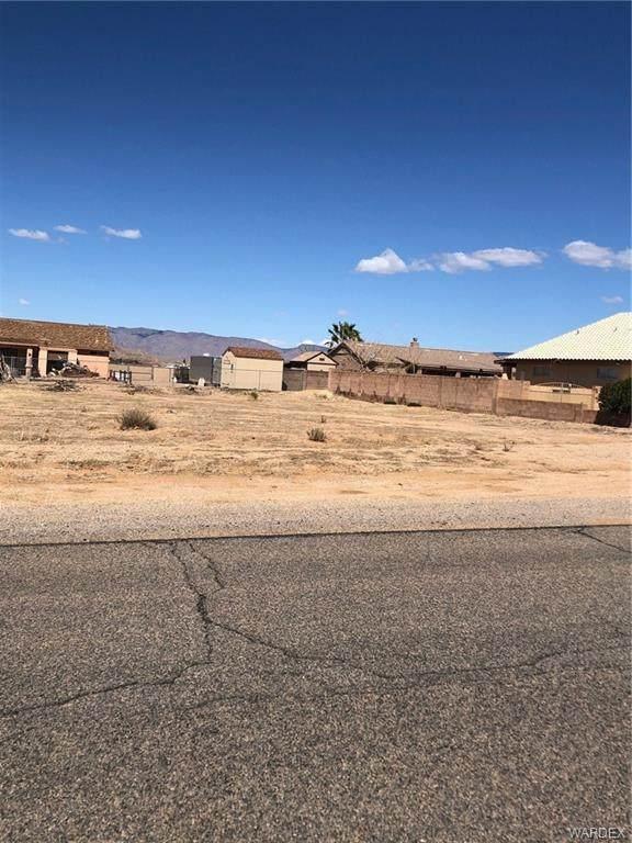 7335 E Superstition Drive, Kingman, AZ 86401 (MLS #979778) :: AZ Properties Team | RE/MAX Preferred Professionals