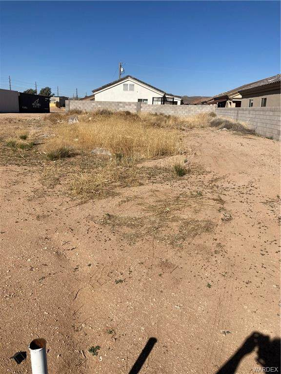 0 Miller, Kingman, AZ 86409 (MLS #980136) :: The Lander Team