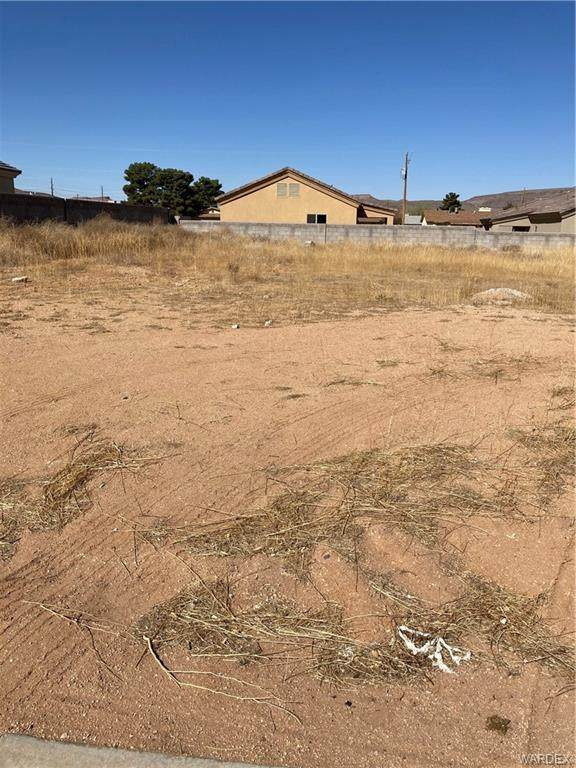 0 Kenneth, Kingman, AZ 86409 (MLS #980198) :: The Lander Team