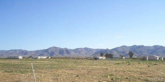 Lot W N Amado Road, Golden Valley, AZ 86413 (MLS #980378) :: The Lander Team