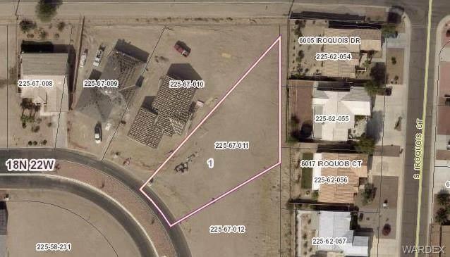 2239 E Bella Vista Drive, Fort Mohave, AZ 86426 (MLS #980595) :: AZ Properties Team | RE/MAX Preferred Professionals