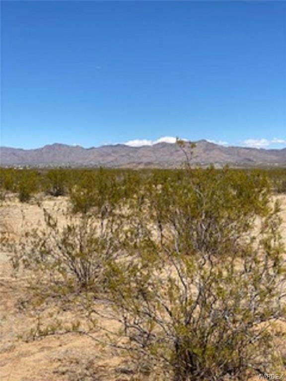 0000 Maverick, Golden Valley, AZ 86413 (MLS #980679) :: AZ Properties Team | RE/MAX Preferred Professionals