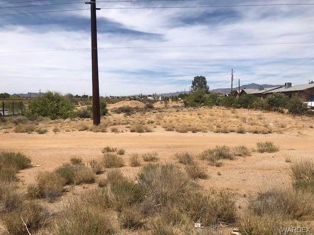 5245 Hwy 68, Golden Valley, AZ 86413 (MLS #981521) :: AZ Properties Team   RE/MAX Preferred Professionals