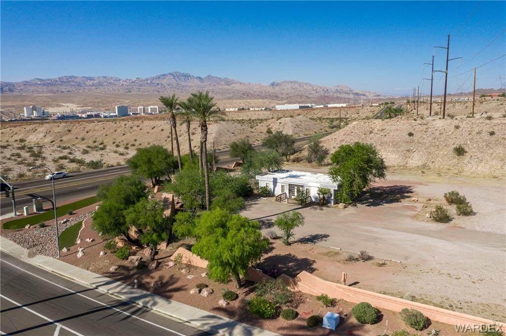 000 Desert Foothills Drive - Photo 1