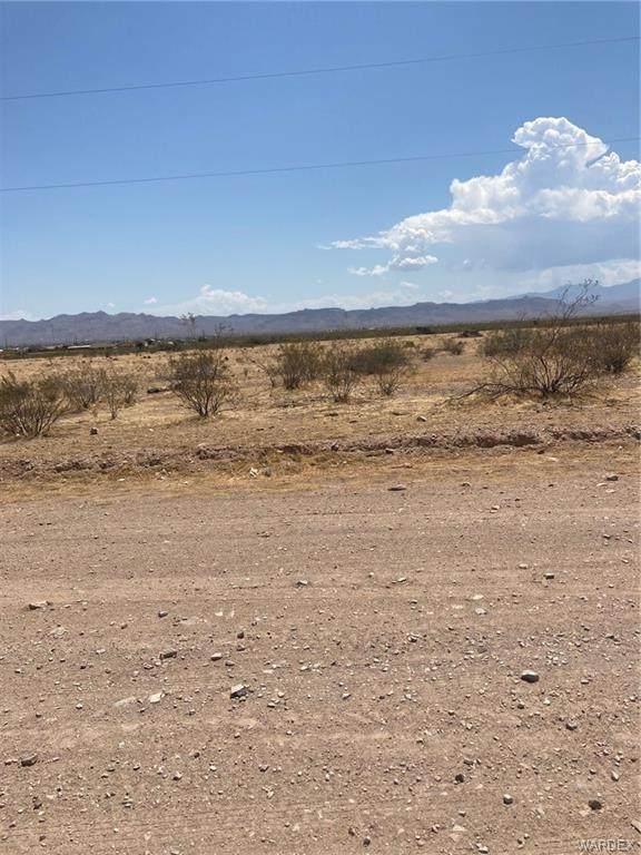1422 S Laguna Road, Golden Valley, AZ 86413 (MLS #983664) :: AZ Properties Team | RE/MAX Preferred Professionals