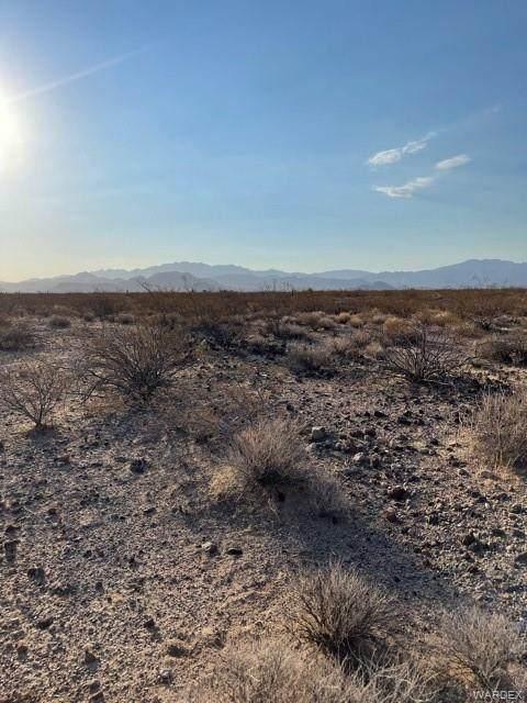 6.57 Acres Oatman Highway, Golden Valley, AZ 86413 (MLS #983720) :: The Lander Team