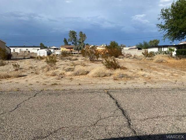5640 Ferret Drive, Fort Mohave, AZ 86426 (MLS #984577) :: AZ Properties Team   RE/MAX Preferred Professionals