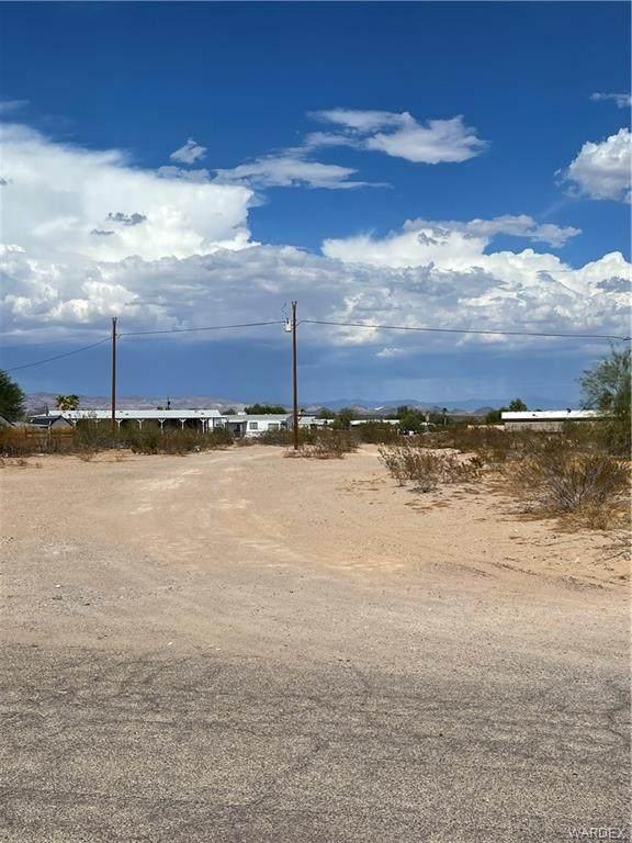 12722 Yavapai, Topock/Golden Shores, AZ 86436 (MLS #984783) :: The Lander Team