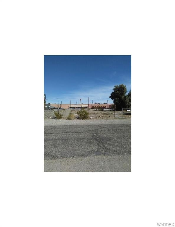 336 Long Avenue, Bullhead, AZ 86429 (MLS #941172) :: The Lander Team