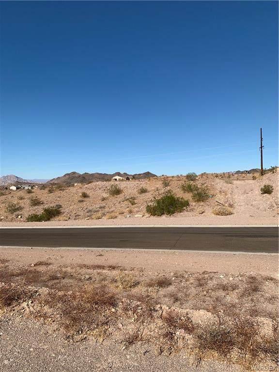3125 Canyon De Chelly Drive, Bullhead, AZ 86429 (MLS #975577) :: AZ Properties Team | RE/MAX Preferred Professionals