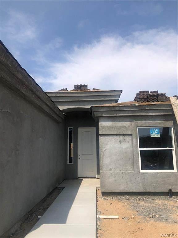 2303 Ginger Street, Kingman, AZ 86401 (MLS #981293) :: The Lander Team
