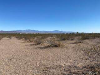 000 S Cowlick Road, Golden Valley, AZ 86413 (MLS #986605) :: The Lander Team