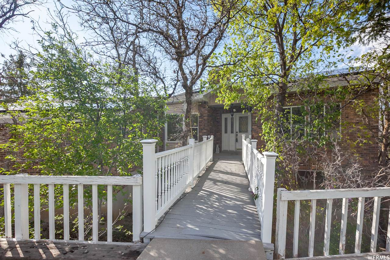 1463 Bluebell Dr - Photo 1