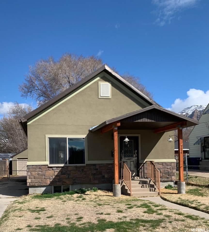 724 Canyon Rd - Photo 1
