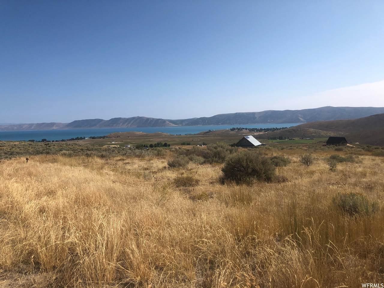 3130 Meadow Lark Cir - Photo 1