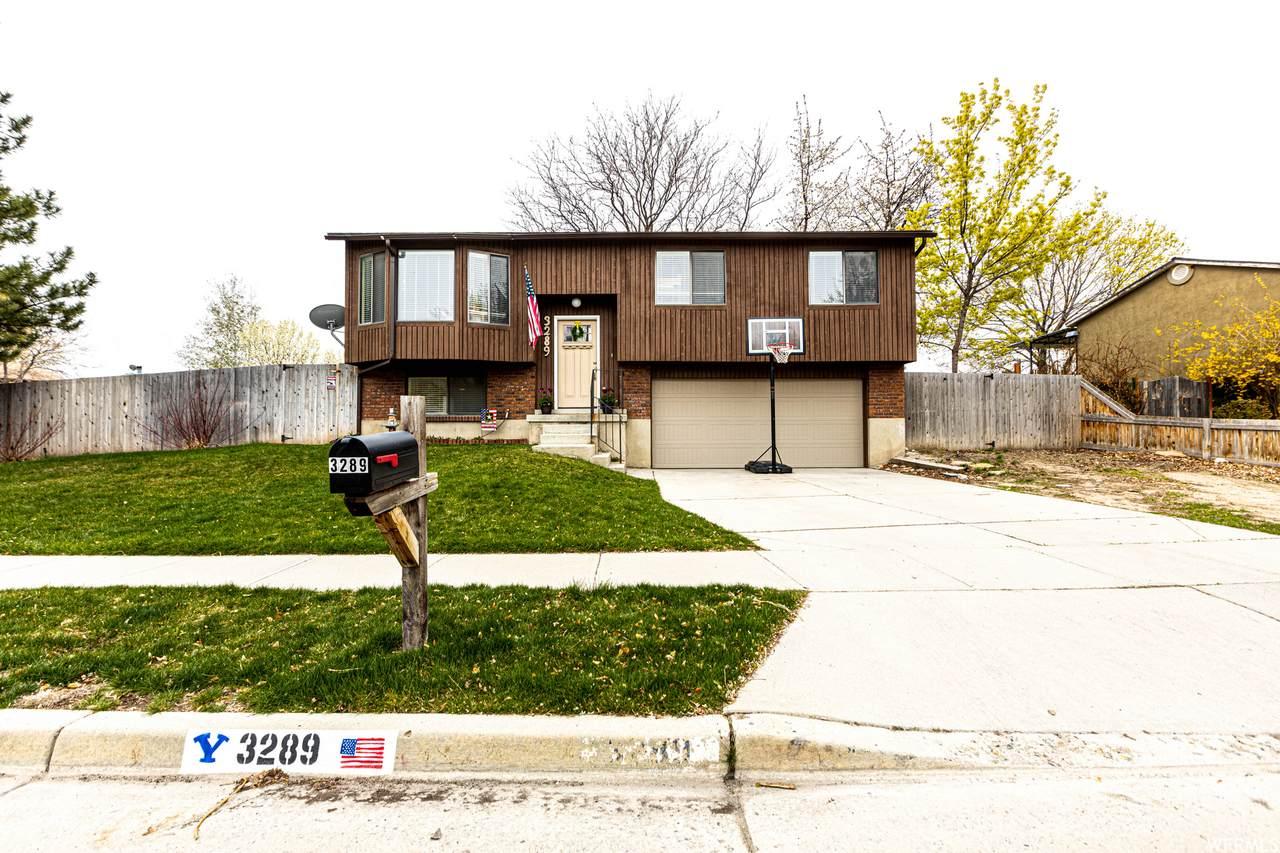 3289 Kingsbrook Ave - Photo 1