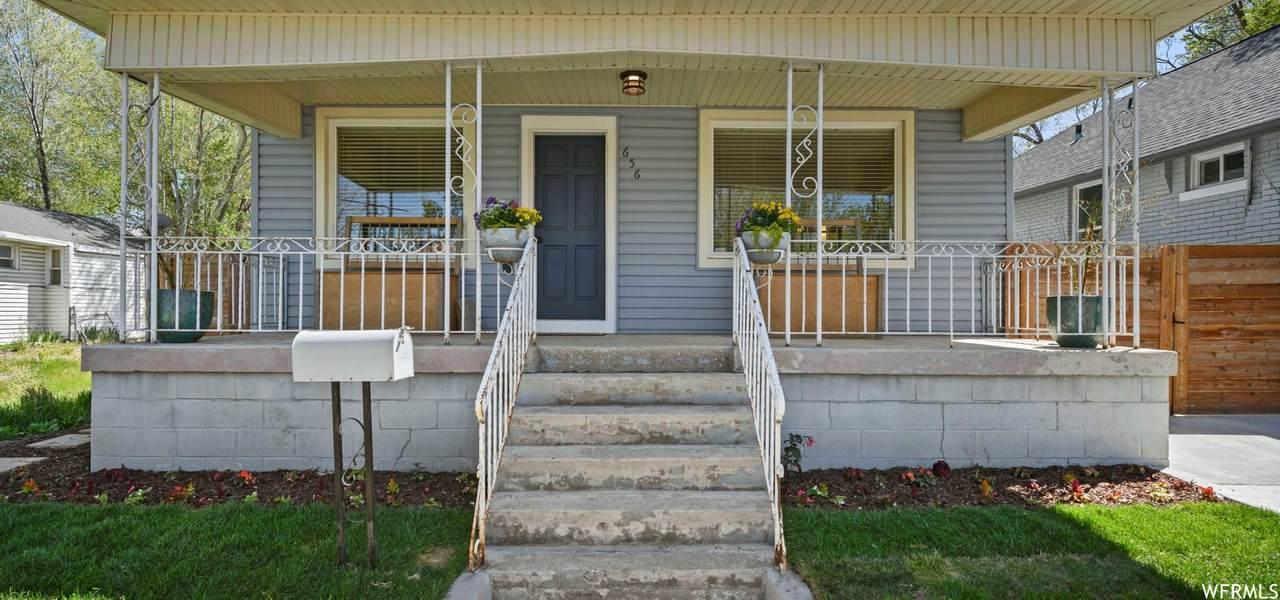 656 Roosevelt Ave - Photo 1