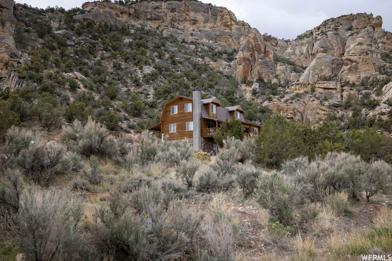 4525 Dry Fork Canyon Rd - Photo 1