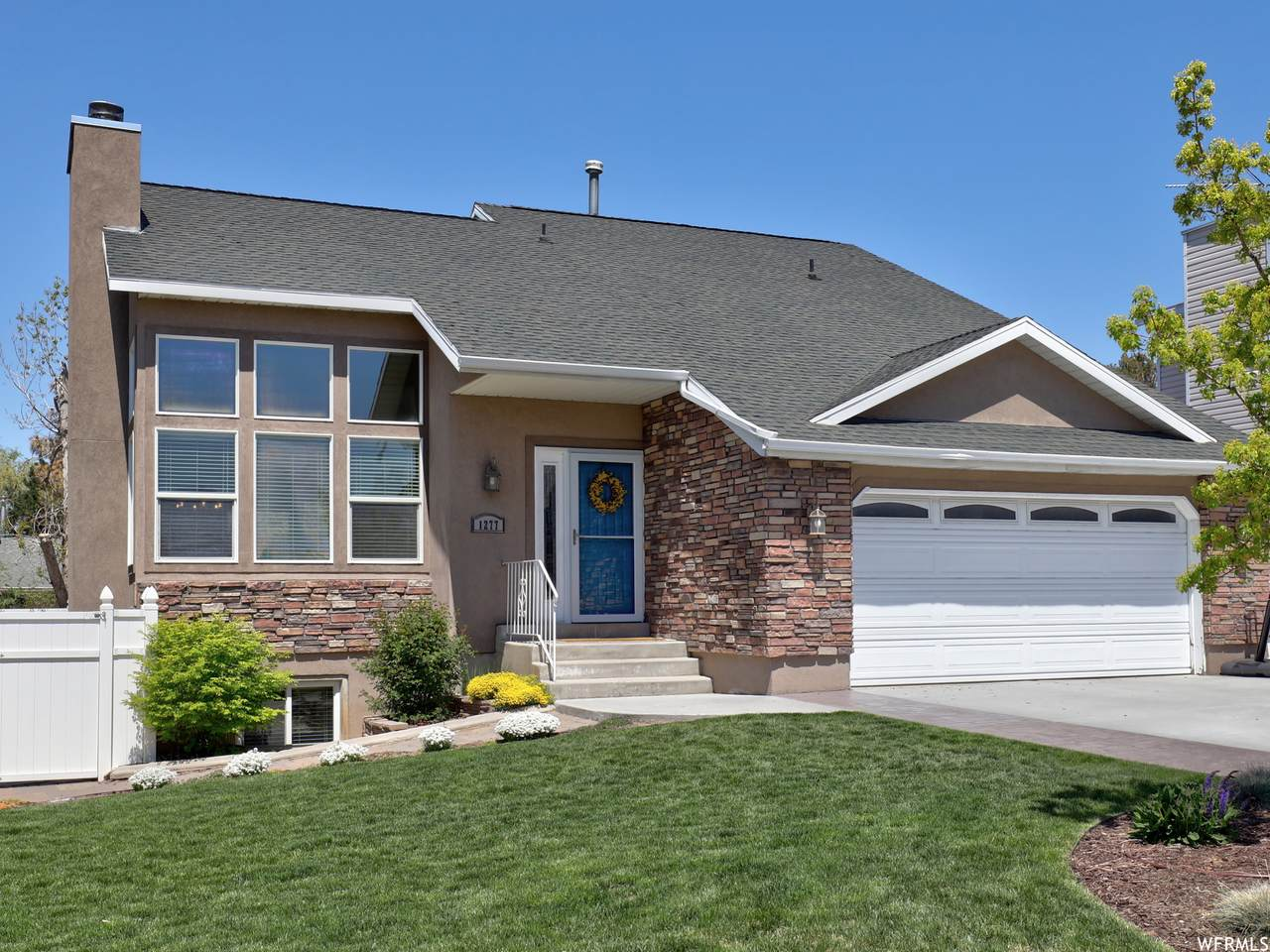 1277 Alta Heights Dr - Photo 1