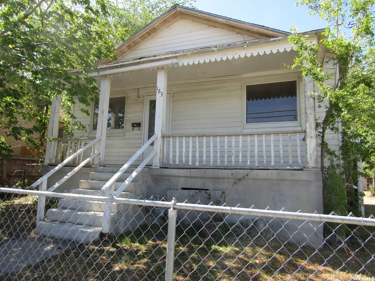 163 Utah Ave - Photo 1